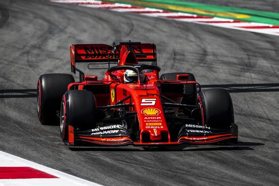 Ferrari fuori dal podio a Barcellona