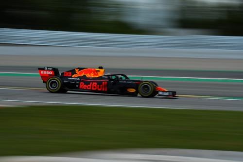 F1, GP Spagna 2019: Mercedes, i gilet gialli della F1 (7)