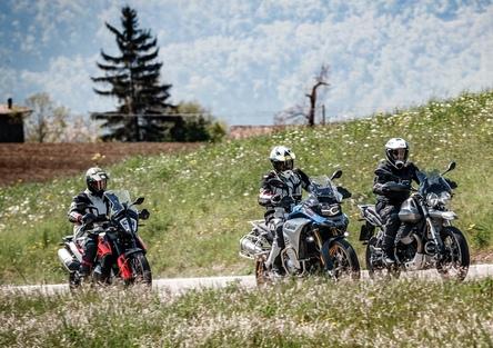 Moto Guzzi V85TT, KTM 790 Adventure e BMW F850GS ADV: comparativa maxienduro 2019