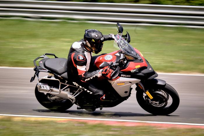 La Ducati Multistrada in azione a Pergusa