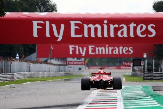 Il lungo rettilineo all'uscita della curva Ascari a Monza