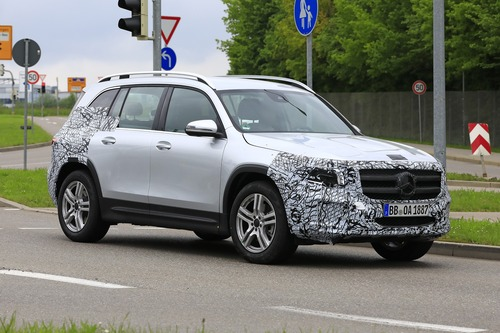 Mercedes GLB, le foto spia  (2)