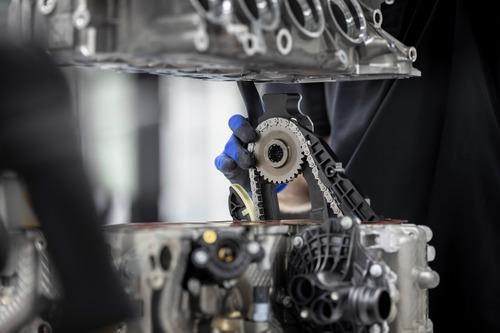 Mercedes-AMG: ecco il 2.0 4 cilindri da 421 CV (7)