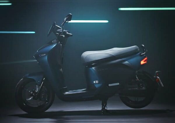 Yamaha EC-05, scooter elettrico con batterie in sharing