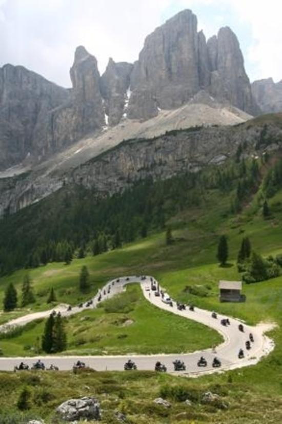 Yamaha Dolomiti Ride 2011
