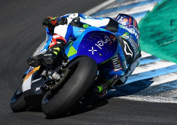 Test MotoE a Valencia. Le moto elettriche si confrontano in pista
