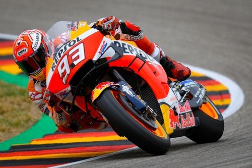 MotoGP 2019. Márquez è il più veloce nelle FP2 in Germania (5)