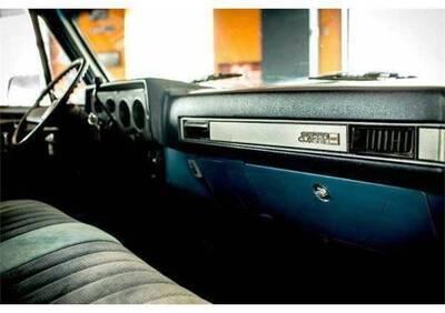 Pickup GMC Sierra d'epoca del 1989 a Castiglion Fiorentino