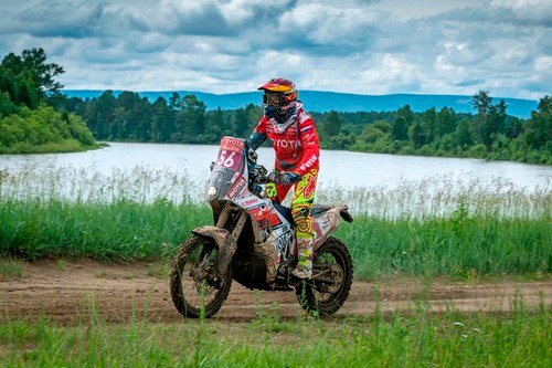 Silk Way Rally 2019-1. Al Attiyah (Toyota) e i Fratelli Benavides (4)