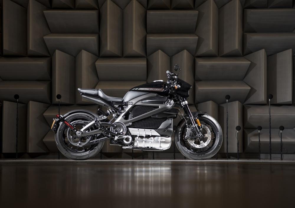 """Harley-Davidson: in prova il """"sound"""" elettrico della LiveWire"""
