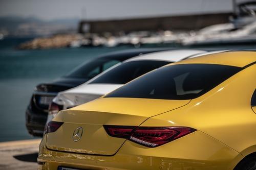 Mercedes: tutta l'emozione del concetto Sedan (4)
