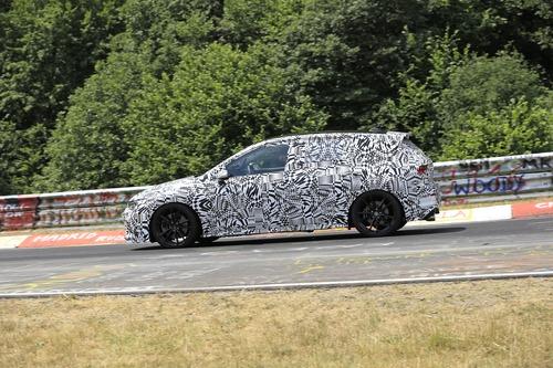 Volkswagen Golf GTI, le foto spia al Nürburgring (3)