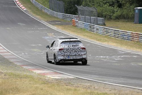 Volkswagen Golf GTI, le foto spia al Nürburgring (5)