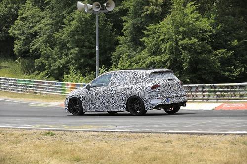 Volkswagen Golf GTI, le foto spia al Nürburgring (8)