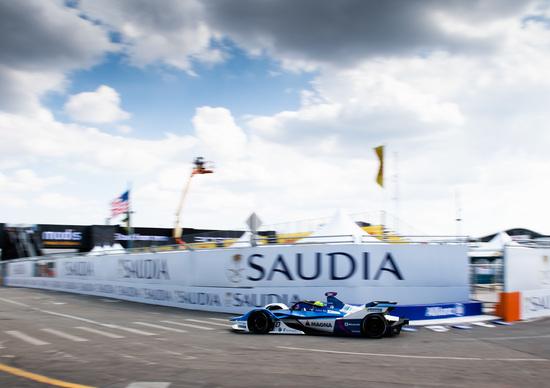 Formula E, E-Prix di New York: pole position di Alexander Sims