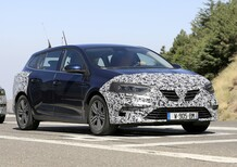 Renault Megane: restyling anche per la station wagon [Foto spia]