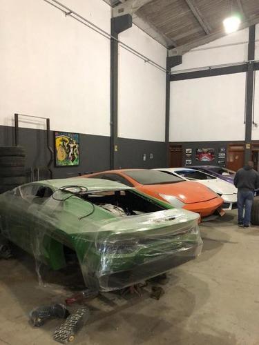 Scoperta fabbrica di false Ferrari e Lamborghini (4)