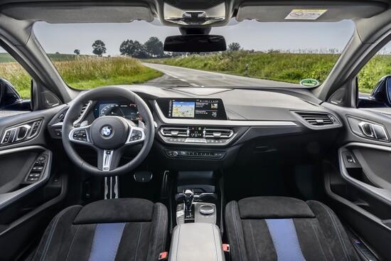 Interni più sportivi che mai sulla BMW Serie 1 M135i 2019