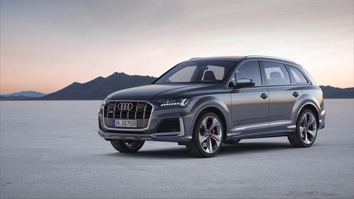 Audi SQ7, svelato il restyling (7)