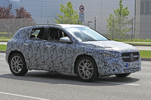 Nuova Mercedes GLA, le foto spia (9)
