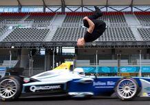 Formula E: lo stuntman che rischia la vita [Video]