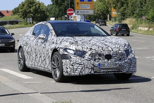 Mercedes EQS, le foto spia