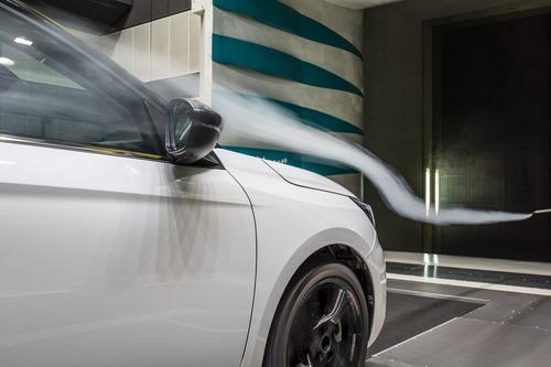 Opel Corsa: aerodinamica attiva per ridurre i consumi (4)