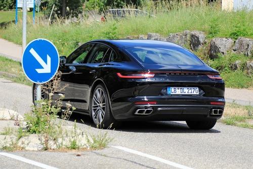 Porsche Panamera restyling, le foto spia (9)