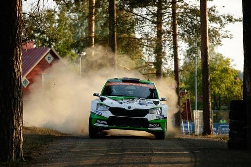 WRC 2019 Finlandia. Tutto in 2 secondi. Latvala-Meeke, Toyota, Tanak dietro a Lappi (4)