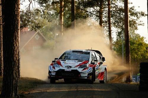 WRC 2019 Finlandia. Tutto in 2 secondi. Latvala-Meeke, Toyota, Tanak dietro a Lappi (7)
