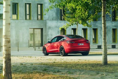 Tesla Model 3 | Novitec la rende...più sportiva! (8)