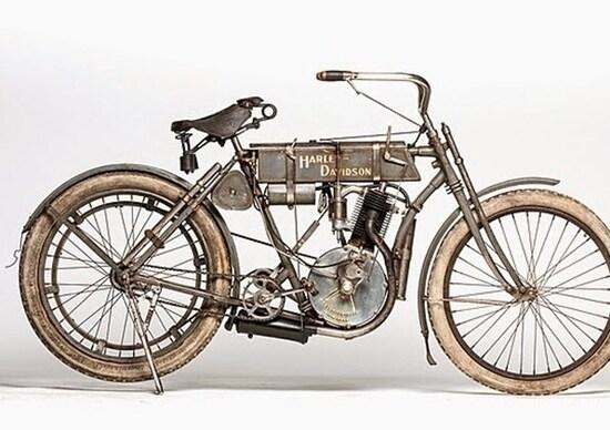 la Harley-Davidson Strap Tank del 1907