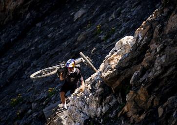 Fontana e-Vlog: Tour du Mont Blanc con le EMTB. Gara extraterrestre!