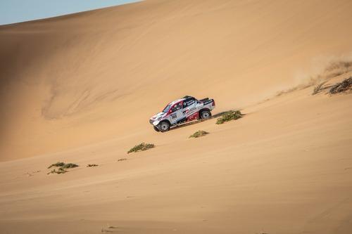 Dakar 2020: Alonso completa i test con Toyota (3)