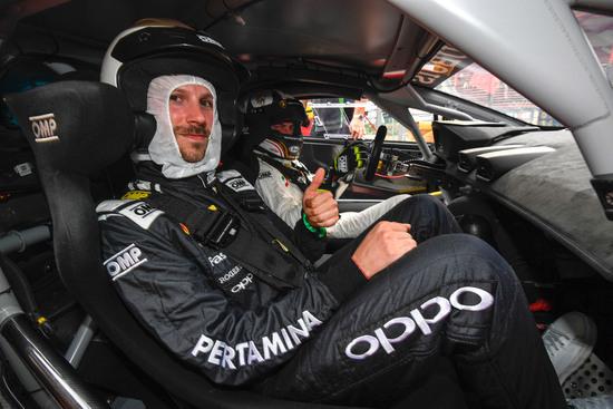 Eccoci a bordo della Lamborghini Huracan Supertrofeo con al volante Giorgio Sanna