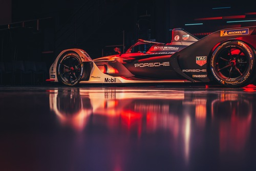 Formula E: Porsche svela la 99X Electric (2)