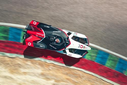 Formula E: Porsche svela la 99X Electric (8)