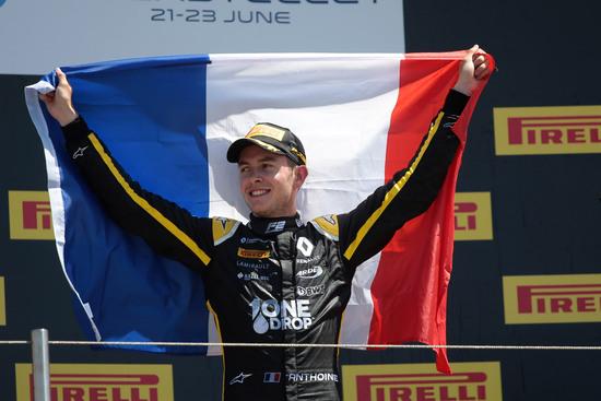 Il giovane francese Hubert, morto ieri a Spa durante la gara di F2