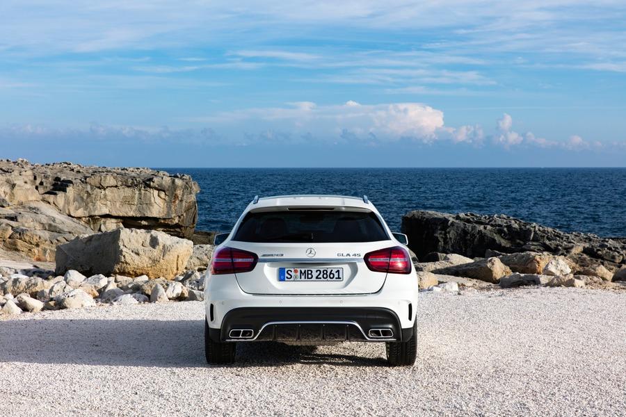 Mercedes-Benz GLA 200 d Automatic Premium (5)