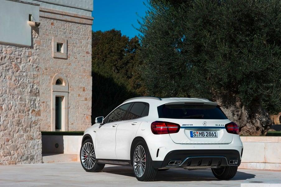 Mercedes-Benz GLA 200 d Automatic Sport (4)