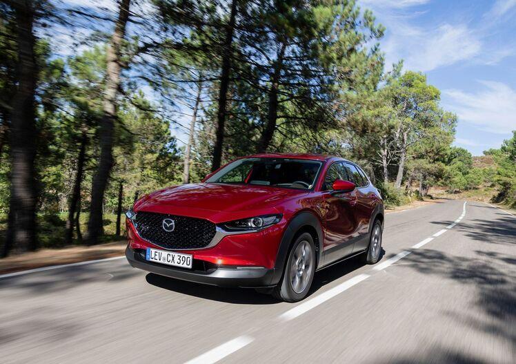 Mazda CX-30, la prova con il motore Skyactiv-X [Video]