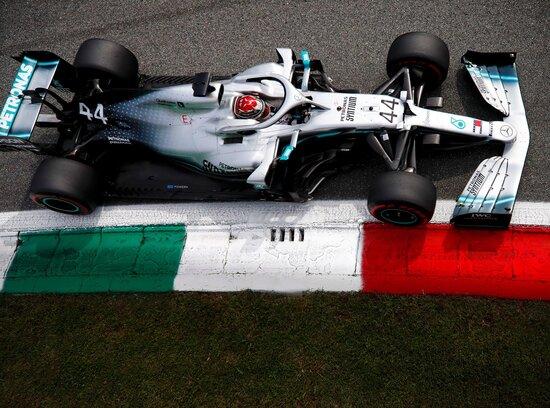 Lewis Hamilton scatterà dalla prima fila a Monza
