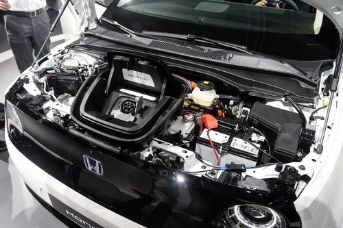Honda e, svelati i prezzi al Salone di Francoforte 2019: da 35.500 euro (7)