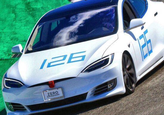Tesla Model S: sigla il record a Laguna Seca. E' sfida aperta con Porsche Taycan