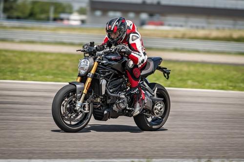 """Ducati Monster 1200S: """"Black on Black"""" (e rossa) per il 2020 (4)"""