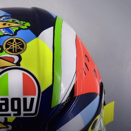 Valentino Rossi: un casco per... mangiarsi Misano (4)