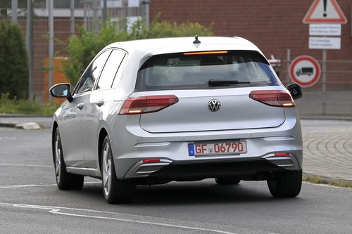 Volkswagen Golf GTE, le foto spia (8)