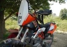 KTM 690 Enduro R, special da deserto