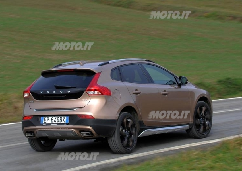 Volvo V40 Cross Country D2 Geartronic Business Plus (4)