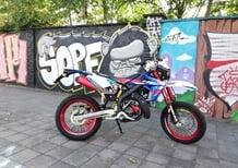 Rieju MRT 50 SM Trophy: il nuovo Re del liceo